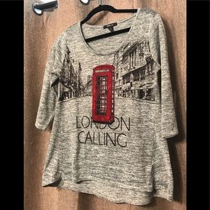 """Graphic Top - """"London Calling"""" Call Box in sequins"""